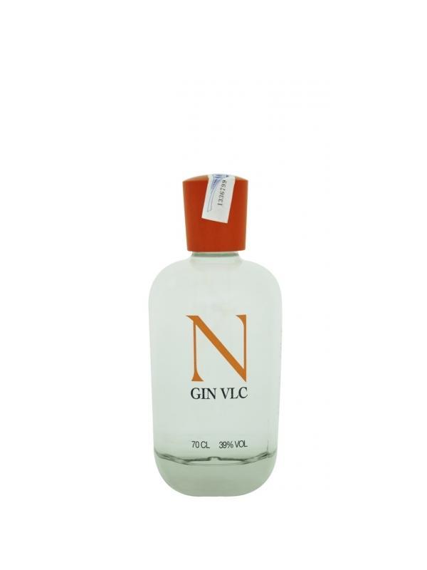 GINEBRA VLC ( ESPAÑA ) - GINEBRA VLC ( ESPAÑA ) La ginebra nacida en Valencia. La mejor ginebra española con una graduación del 39 %, que destaca por estar hecha con uva y por tener botánicos como la naranja o la mandarina.