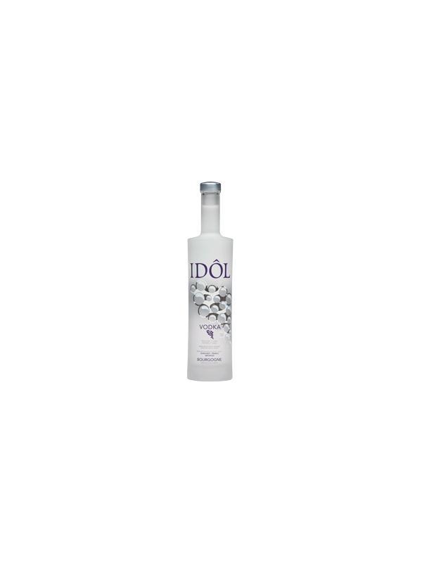VODKA IDÔL ( FRANCIA ) - IDÔL posee un suave buqué gracias a su proceso de destilación lenta. En nariz no se perciben las asperezas del alcohol. La Vodka IDÔL es cristalina, reflejo de la excelente calidad del agua utilizada en su proceso de filtración: las aguas de la Côte d'Or.  Su sabor elegante, único y reconocible, su textura suave y delicada y su largo final sólo pueden lograrse con las mundialmente famosas cepas Pinot Noir y Chardonnay de Borgoña.  El grado de pureza de Vodka IDÔL la convierte en una vodka ideal para crear cócteles deliciosos y atrevidos.