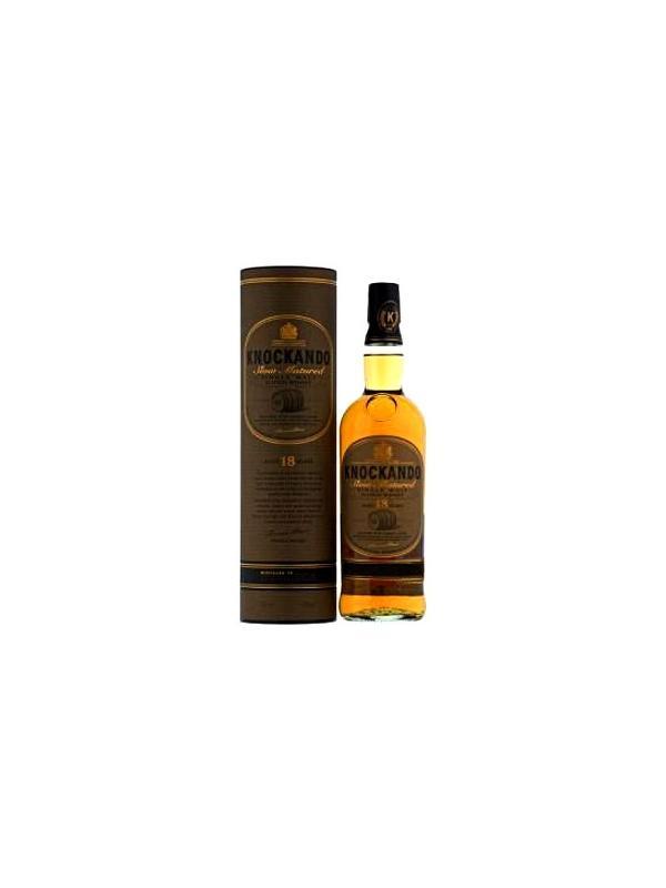 WHISKY KNOCKANDO 18 AÑOS - Knockando 18 años es un Whisky de Malta de Speyside  elegante, que maduró durante 18 años en barricas de Jerez. Por lo tanto, la Knockando 18 año todo el mundo tiene un montón de fans que disfrutan y aprecian el distintivo malteado dulce sabor de Jerez. Mejor gusto esta Knockando diluido con agua, pero no demasiado. Origen: Escocia, Speyside