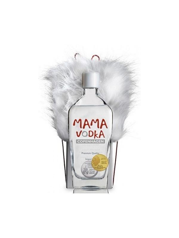 VODKA MAMA - VODKA MAMA Mama Vodka se produce en Copenage a partir de centeno, y es destilado cinco veces.   Un vodka de alta calidad con un sabor distinto, muy puro y suave.   A pesar de que funciona muy bien en todos los cócteles, Mama Vodka se disfruta mejor solo con hielo, y la mitad de un limón recién exprimido.   Vodka Mama fue galardonado con la Medalla de Oro por su excelente calidad en el New York World Spirits Competition 2011.   Contenido: 70 Cl.   Graduacion: 40% Vol.