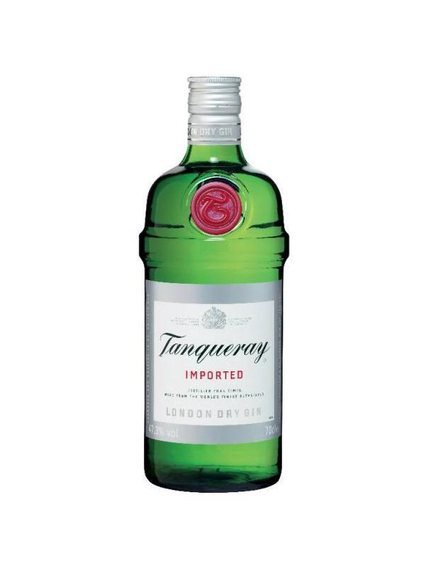 GINEBRA TANQUERAY 70 cl - La historia de la marca Tanqueray se remonta a 1830, cuando Charles Tanqueray funda una pequeña destilería en el distrito londinense de Bloomsbury. En 1868 la compañía pasa a manos de su hijo, Charles Waugh Tanqueray y dos años más tarde nace el gin tonic. En los años sesenta, la ginebra experimenta un gran auge gracias a la cultura del cocktail, convirtiéndose Tanqueray en la favorita de estrellas como Frank Sinatra.   La ginebra Tanqueray es el resultado de un cuidado proceso de elaboración, con una selección de los mejores ingredientes botánicos y cuádruple destilación